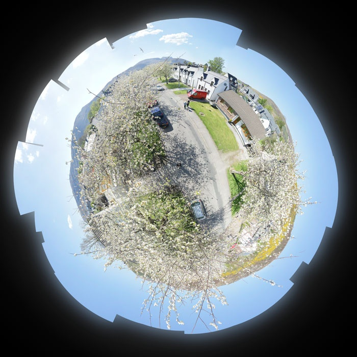 Ullapool Street 4 May 2017 Stereoscopic projection