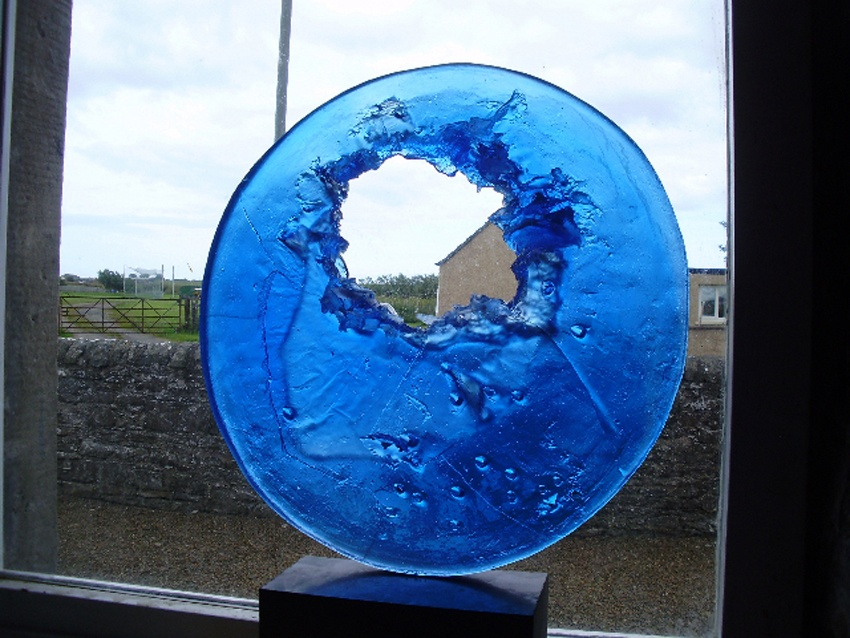 Big BlueShotgun glass90 cm x 90 cm 2012