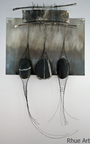 Na Clachan DughSterling silver sheet, woven silver wire, stones420 x 470 cm2007